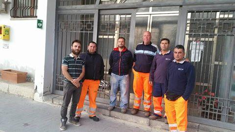Acate.Gli operatori ecologici occupano il Palazzo Municipale. La solidarietà del Movimento 5 Stelle.