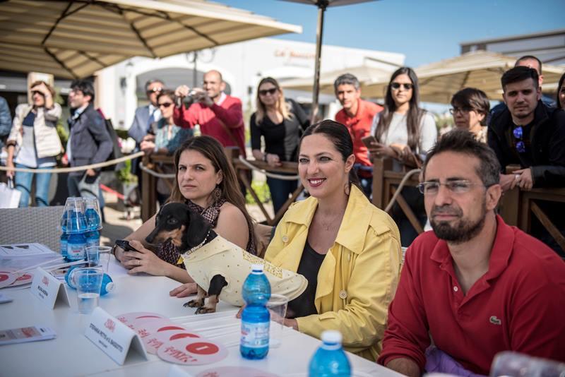 Cani e padroni: Eletta la coppia più glamour a Sicilia Outlet Village