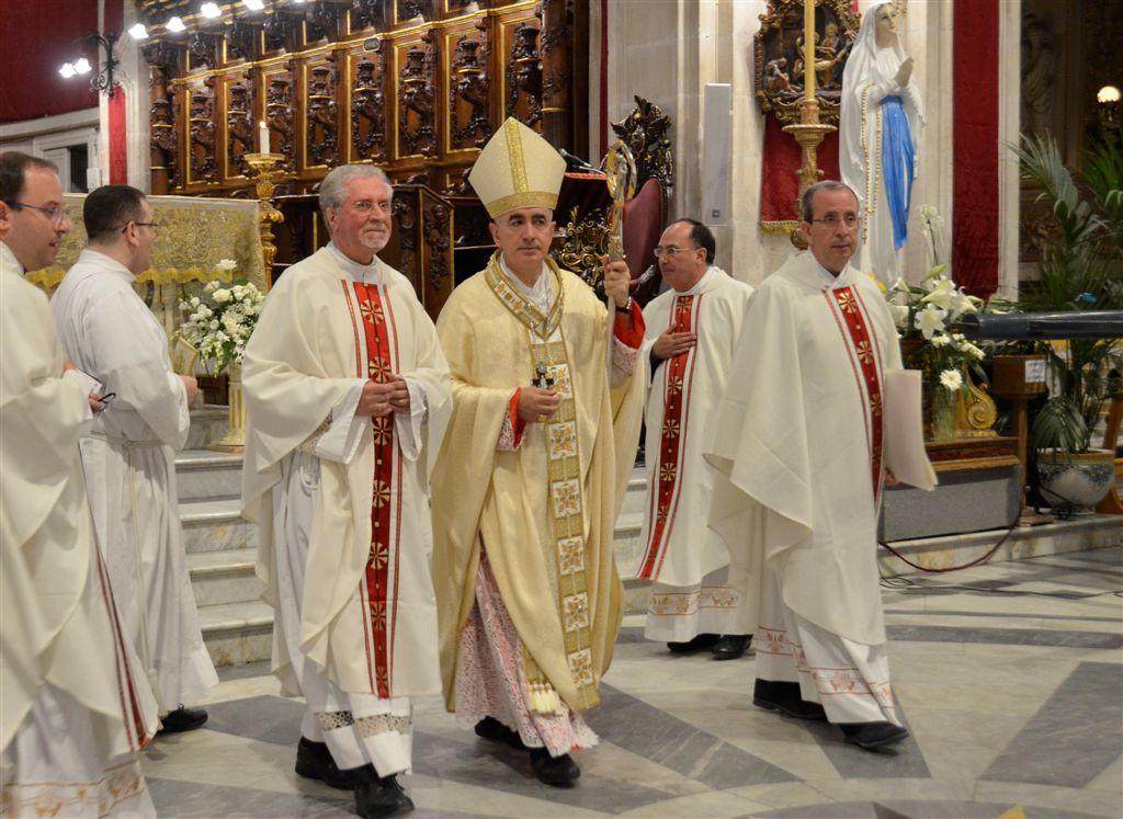 """Ragusa, San Giorgio. Vescovo Staglianò ieri sera al Duomo per giornata sollievo: """"Il fenomeno dei migranti? Siamo messi male. Perché gestito in termini sempre più economicistici"""""""