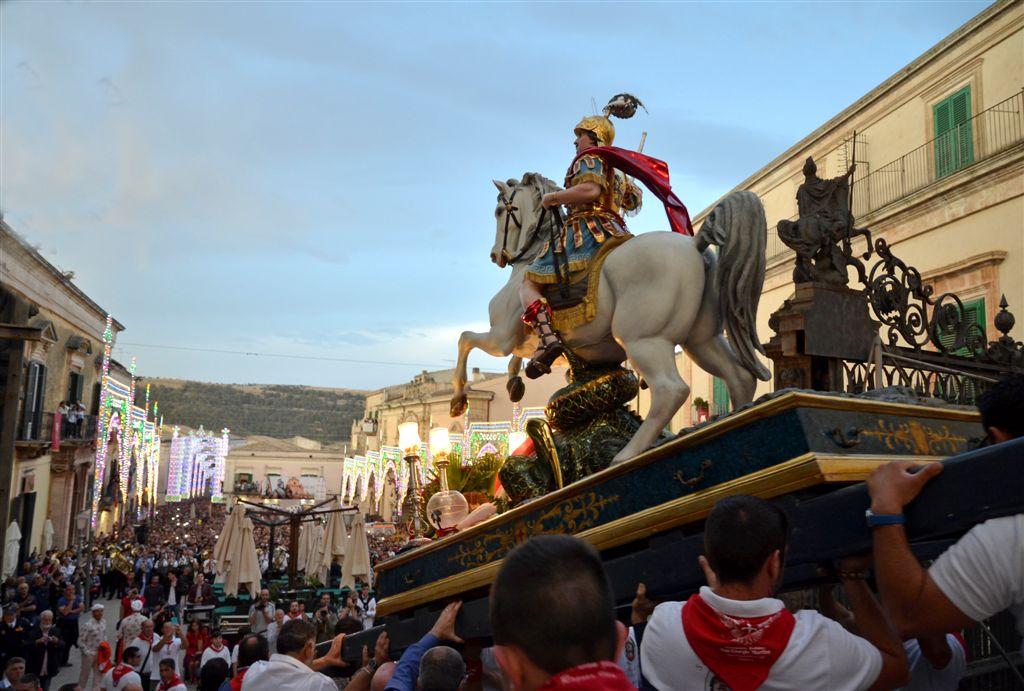 Ragusa, Festa di San Giorgio 2016: Numeri da record ieri per la giornata conclusiva dei solenni festeggiamenti