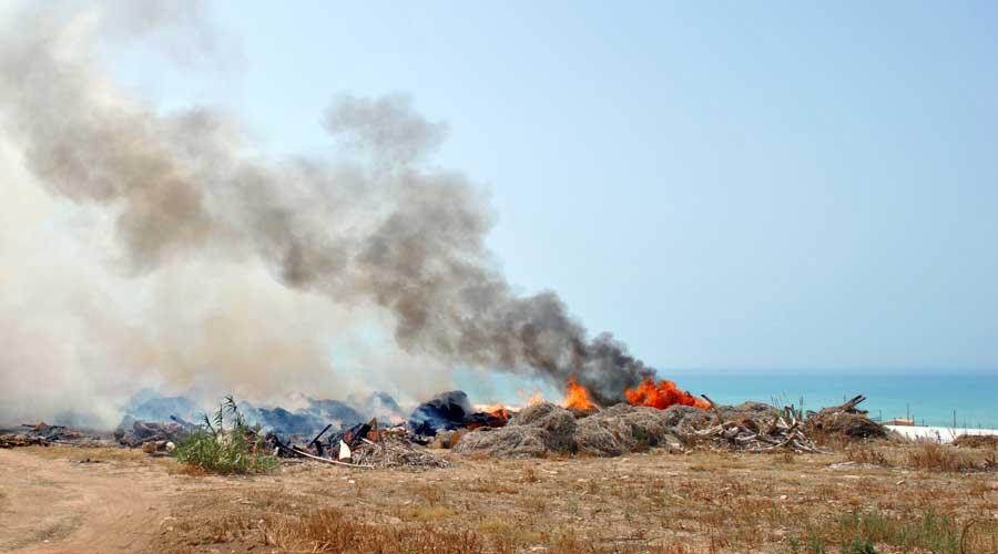 Lotta alle fumarole in provincia di Ragusa: 3 agricoltori denunciati