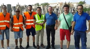 """Acate. """"Grazie ad un gruppo di giovani volontari il Cimitero tornerà ad essere un luogo dignitoso"""". Comunicato dell'amministrazione comunale. Riceviamo e pubblichiamo."""
