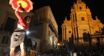 L'arte di strada ha incantato migliaia di spettatori a Ragusa Ibla. Un'altra edizione record per il festival Ibla Buskers