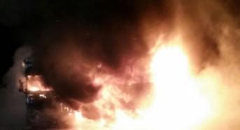 Vittoria, incendiati autoarticolati nel piazzale C.A.A.I.R.