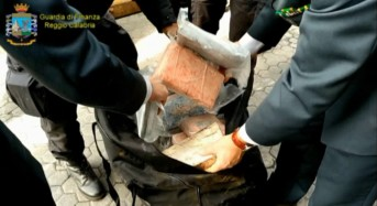Reggio Calabria. Sequestro di kg. 390 di cocaina purissima al porto di Gioia Tauro