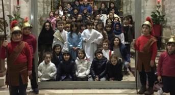 Anche i ragazzi dell'ACR a Monterosso Almo hanno animato una via crucis vivente all'interno del santuario dell'addolorata