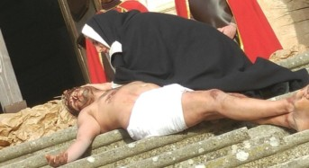 La via crucis vivente tenutasi ieri pomeriggio a Monterosso Almo è stata molto apprezzata dai fedeli