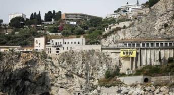 G7 Taormina. Greenpeace in azione: «Ogni anno oltre 21 milioni di persone migrano per disastri naturali, G7 intervenga per salvare clima»