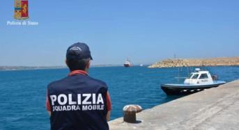Pozzallo. 294 migranti somali ed eritrei a bordo di tre imbarcazioni. La Polizia ferma 2 scafisti e ne denuncia altri 2