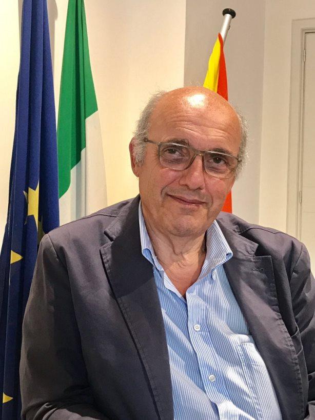 Risultati immagini per foto del presidente dell'ordine architetti di catania alessandro mario
