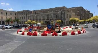 """Rotatoria Piazza Libertà, Distefano e Tasca (Territorio): """"Altra scelta infelice della giunta Piccitto"""""""