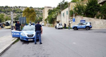 Marina di Modica. La polizia scopre nascondiglio e recupera refurtiva