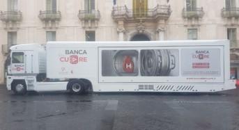 """Catania, il sindaco Bianco in visita al Jumbo Truck """"Banca del Cuore"""""""