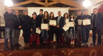 """Studenti meritevoli, 10 borse di studio assegnate   dal sindaco Bruno ai """"centisti"""""""