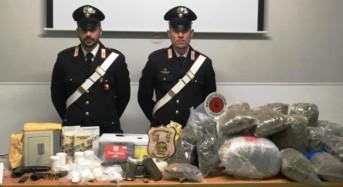 """Palagonia. Padre e figlio gestivano """"market"""" della droga. Sequestrata droga per oltre mezzo milione di euro"""