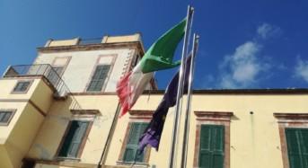 """Ragusa. Nicita: """"Bandiere lacere e consunte sul monumento ai Caduti a Marina di Ragusa"""""""