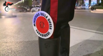 Pistoia, ruba uno smartphone e aggredisce i Carabinieri