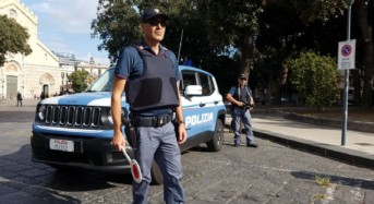 Siracusa. La Polizia arresta due uomini per furto, denuncia tre persone ed interviene per un incendio doloso