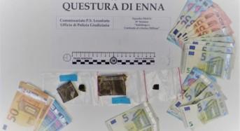 Leonforte. Quattro soggetti fermati per un controllo e trovati in possesso di un cospicuo quantitativo di hashish e di denaro in contanti