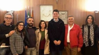 Acate. L'europarlamentare del Movimento 5 Stelle, Ignazio Corrao in visita al Castello di Acate.