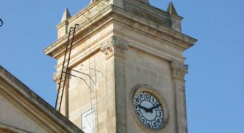 """Acate. Comunicato stampa del Circolo di Acate di FdI: """"Facciamo rifunzionare l'orologio pubblico""""."""