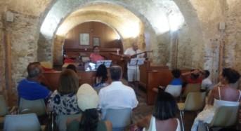 """Acate. Visita al Castello da parte dei partecipanti al """"Primo Meeting di Antroposofia"""" di Scoglitti."""