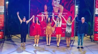 """Alla 31a edizione di """"Una ragazza per il cinema"""" la vittoriese Gloria di Gregorio conquista il podio."""