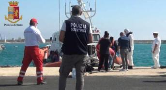 La Polizia di Stato sottopone a fermo 4 scafisti, a seguito di più sbarchi avvenuti a Lampedusa tra il 12 ed il 16 ottobre